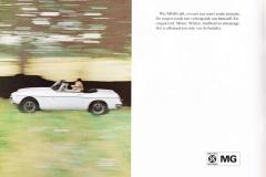 MG MGB 1973 brochure Dutch 4.JPG