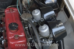 1967_MGB_GT_engine_057