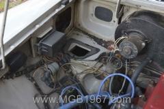1967_MGB_GT_engine_058