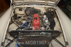 1967_MGB_GT_engine_059
