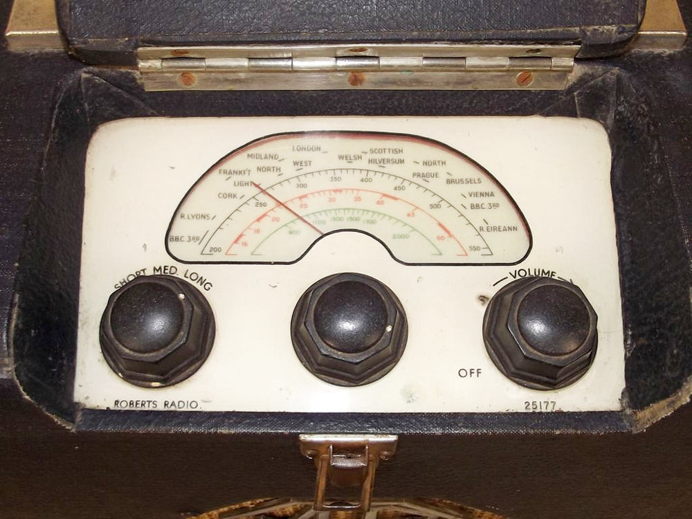 Mg 1940 S Portable Valve Radio By Roberts Radio Dial