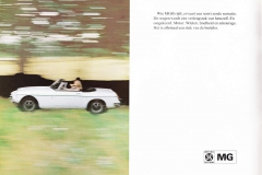 MG MGB 1973 brochure Dutch 4.JPG