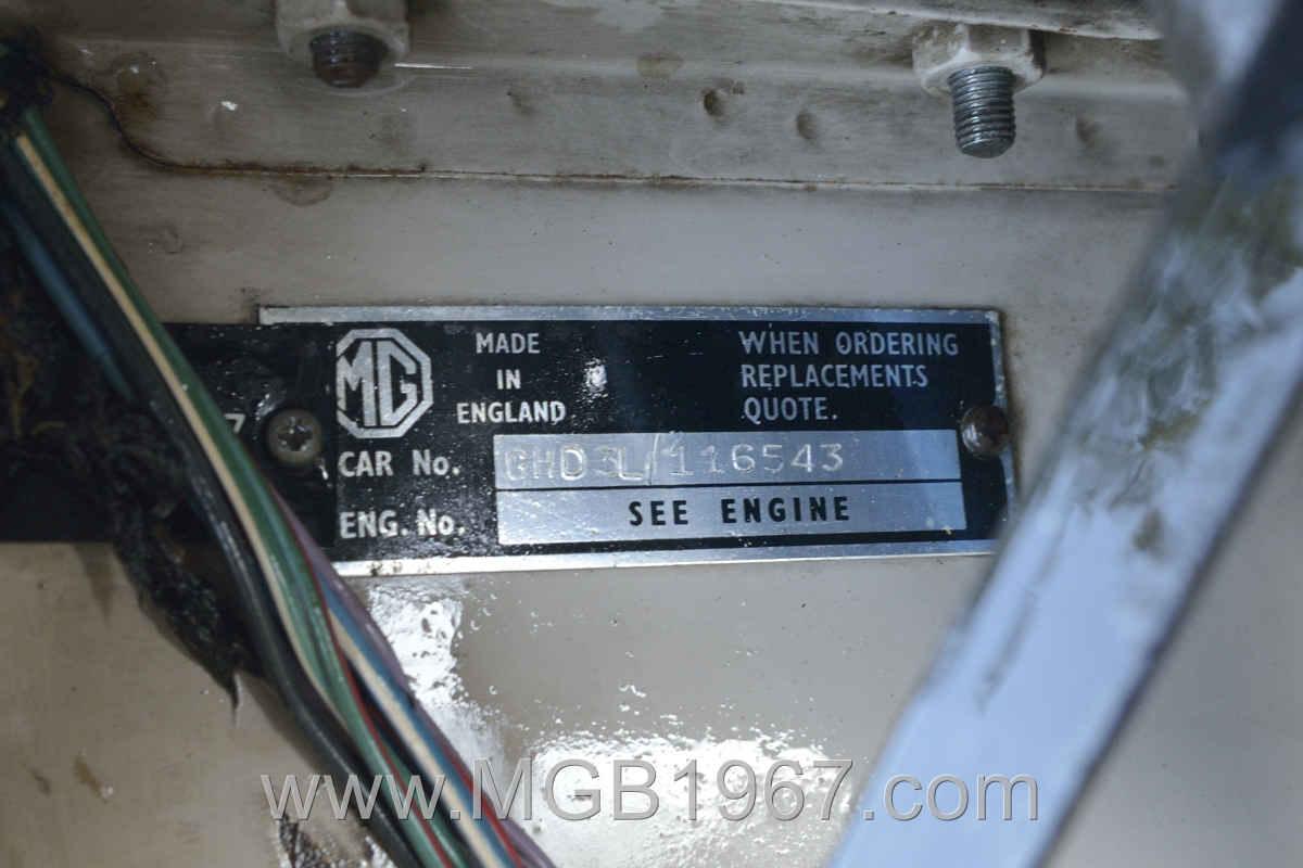 1967_MGB_GT_engine_043