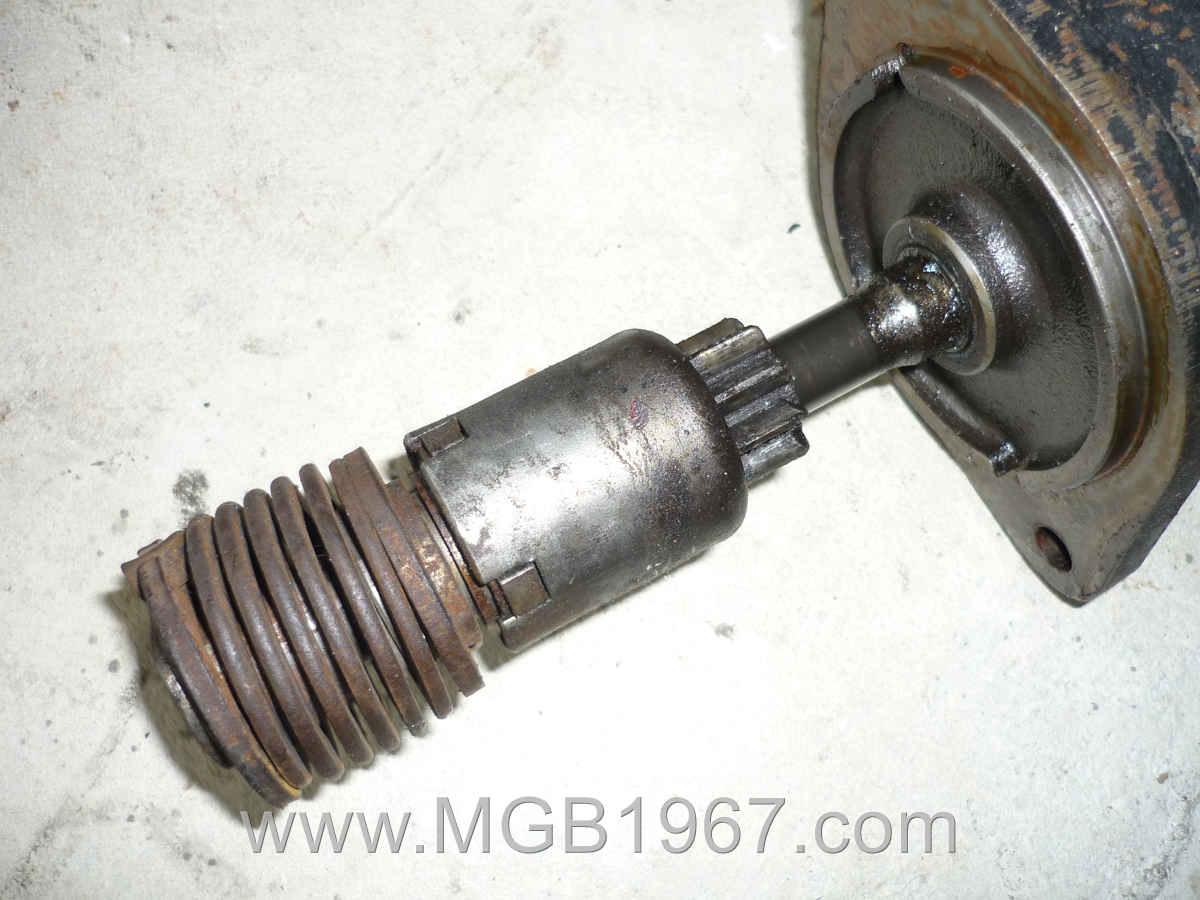 1967_MGB_GT_engine_082