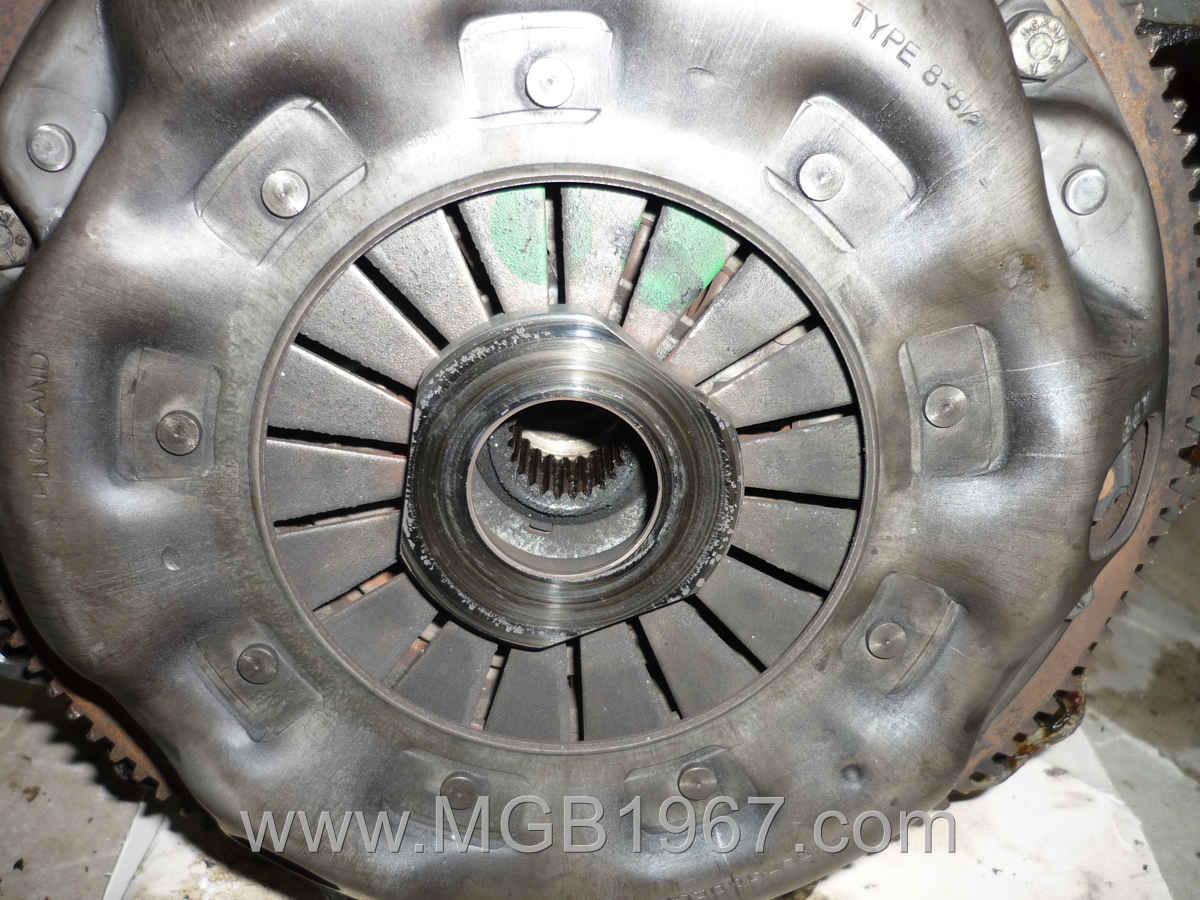 1967_MGB_GT_engine_084