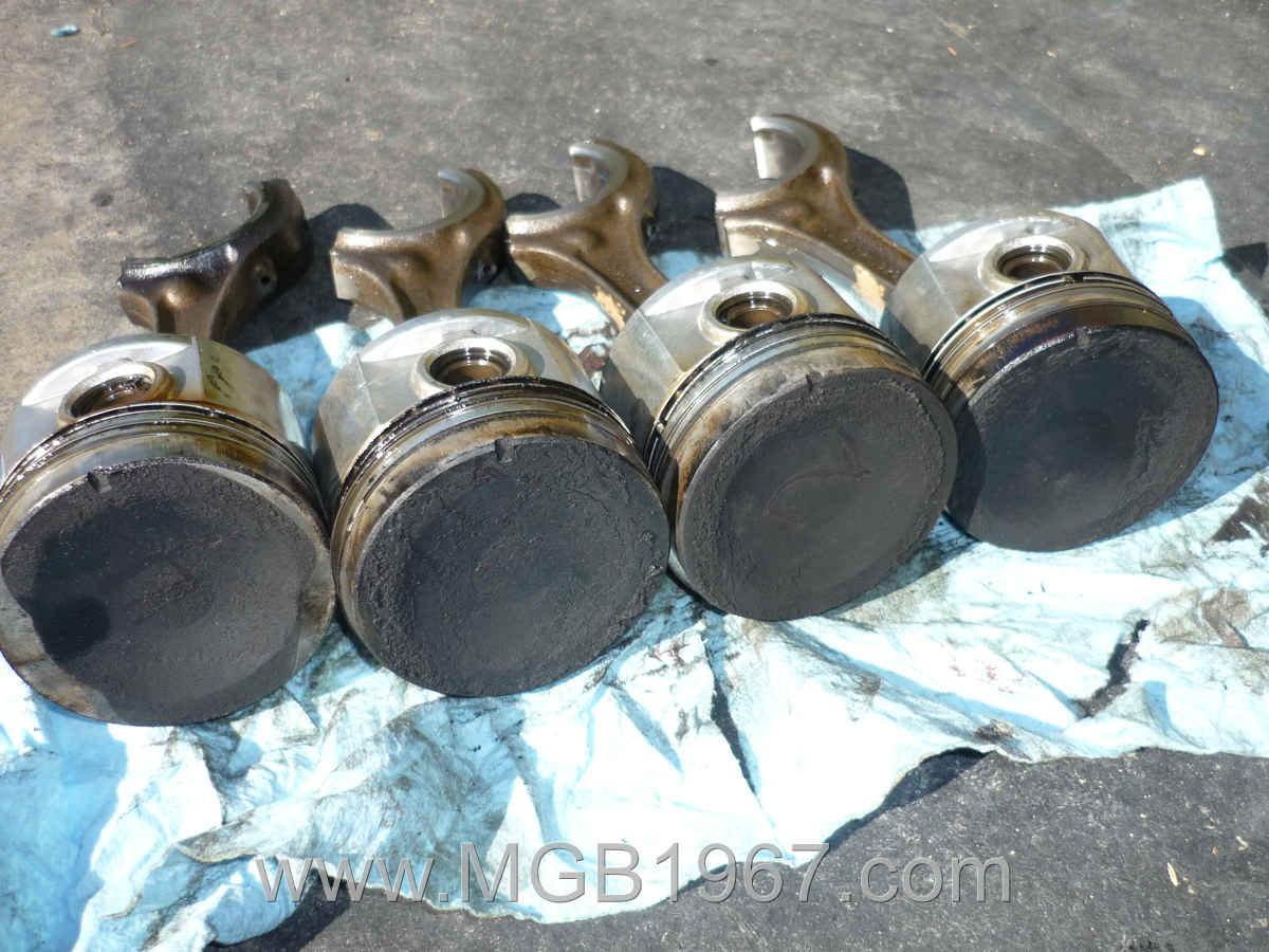 1967_MGB_GT_engine_112