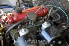 1967_MGB_GT_engine_002
