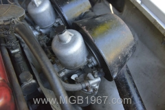 1967_MGB_GT_engine_008
