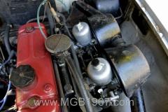 1967_MGB_GT_engine_013