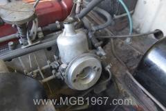 1967_MGB_GT_engine_022
