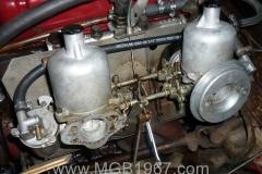 1967_MGB_GT_engine_076