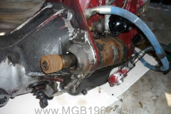 1967_MGB_GT_engine_080