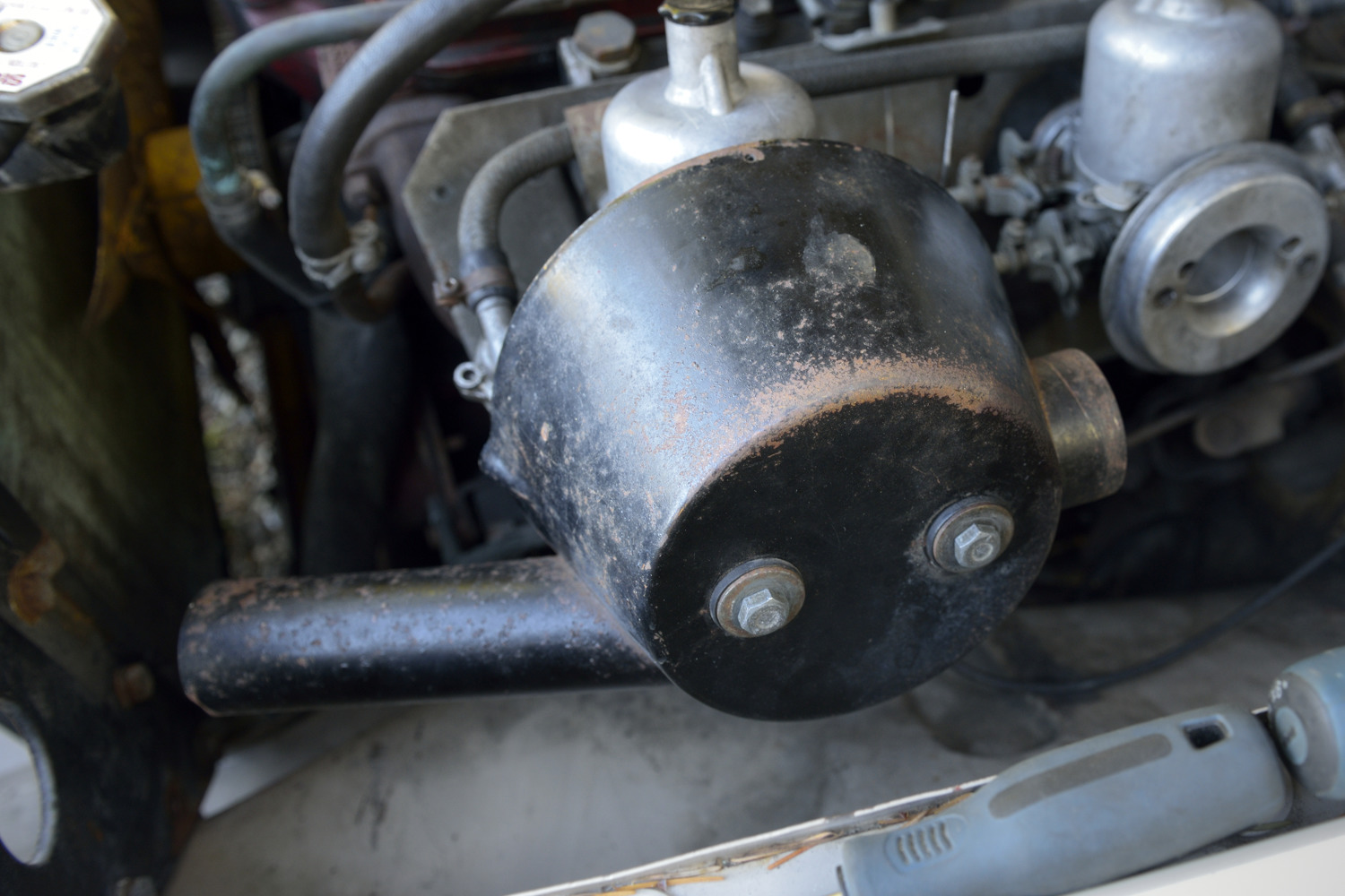 Ratty old Coopers can air filter housing before the repaint