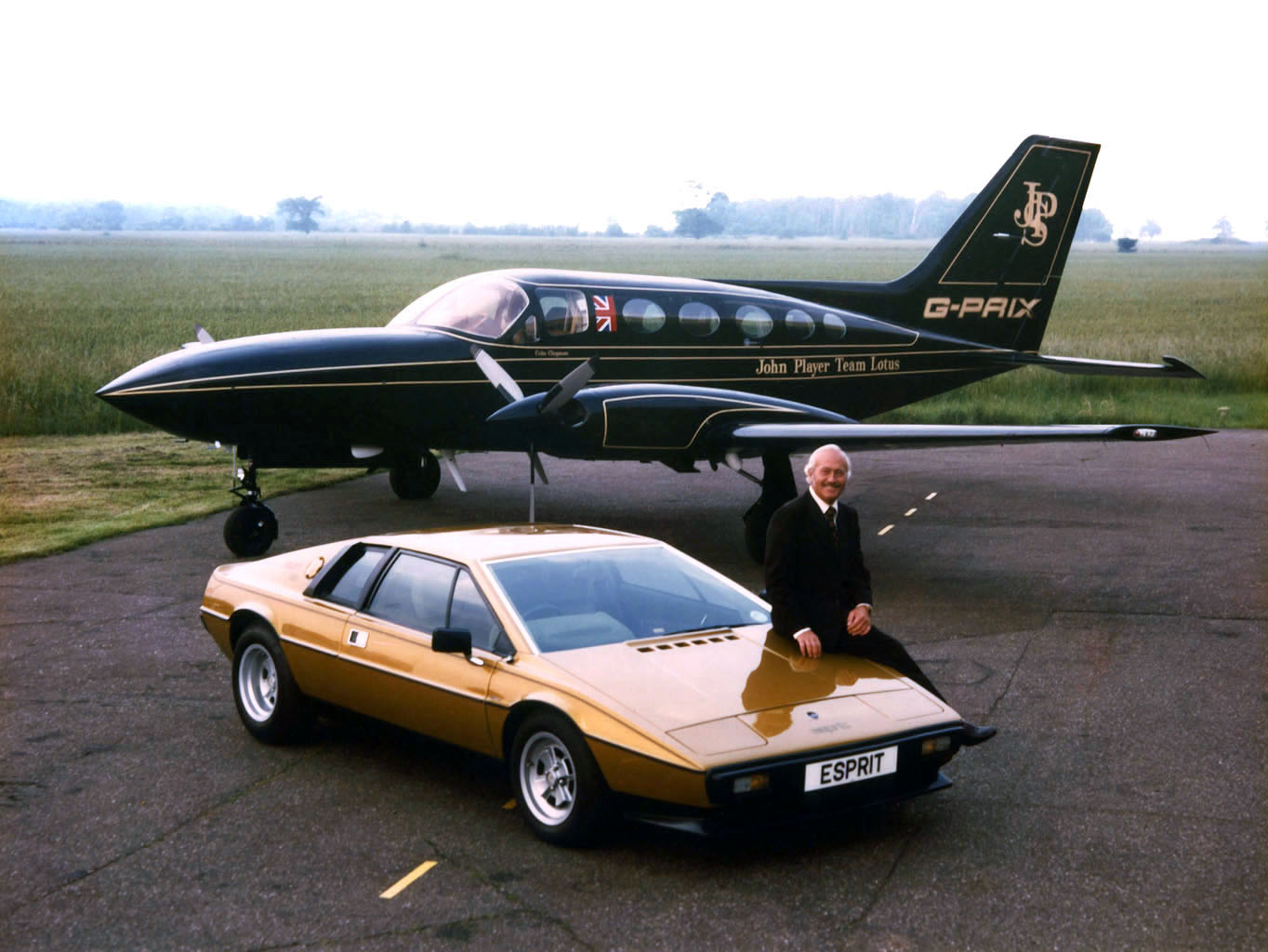 Colin Chapman Lotus Esprit S2 And The John Player Team