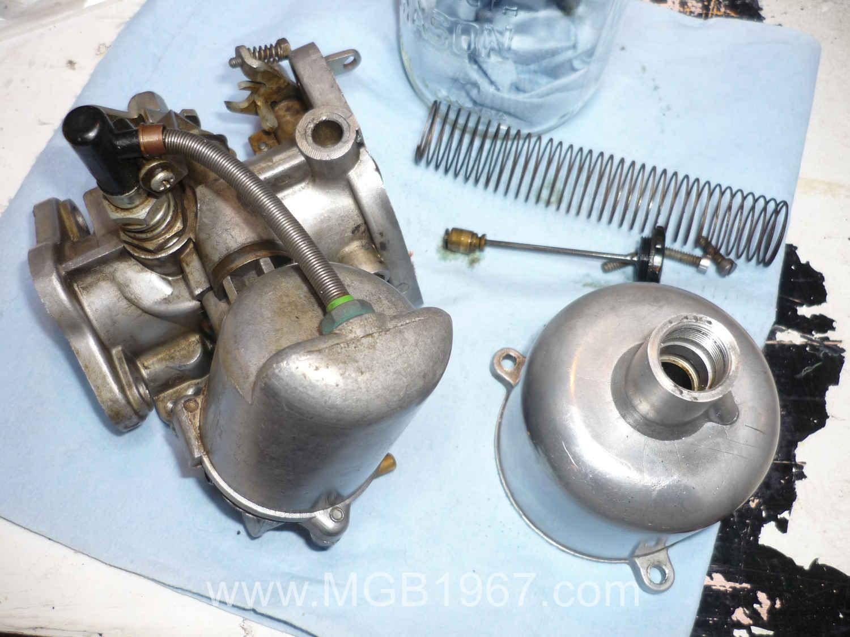 Dirty SU carburetor | 1967 MGB GT